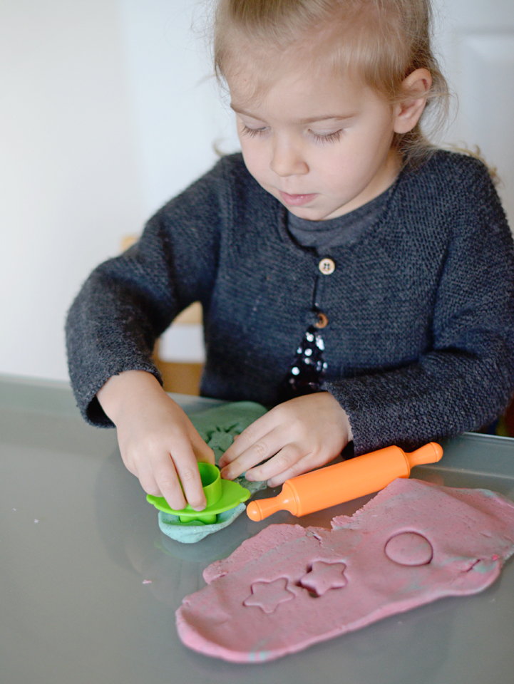 making_playdough_07