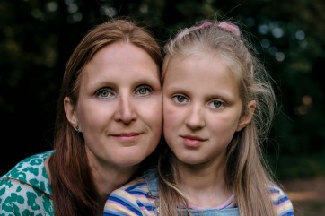 Sandra and Helena 16